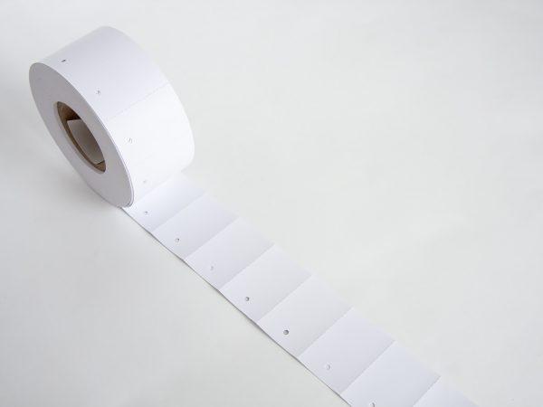 1.000 Kartonetiketten 30x50 mm auf der Rolle