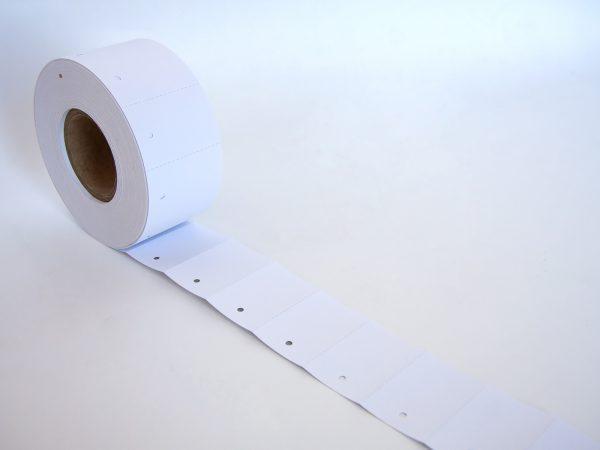 1.000 Kartonetiketten 30x45 mm auf der Rolle